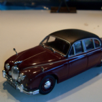 Atlas editions ? Jaguar mk II stunning maroon black vinyl 1:43 @SOLD@